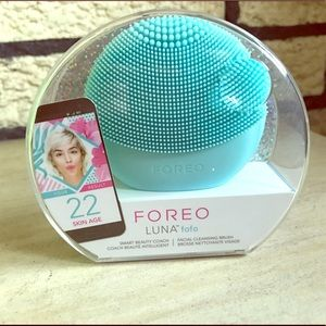 New - Foreo - Luna fofo- Facial Cleansing Brush